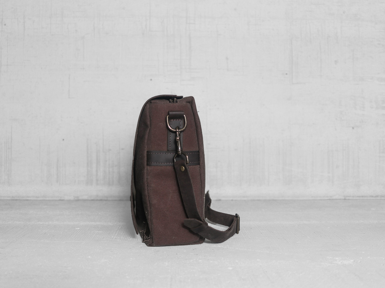 Uphill Designs - Appalachian select messenger bag - carob- back