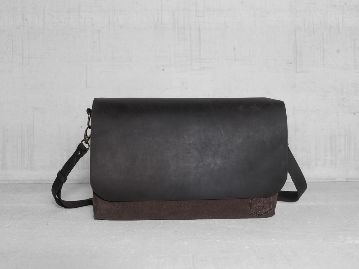 Uphill Designs - Appalachian select messenger bag - carob - front