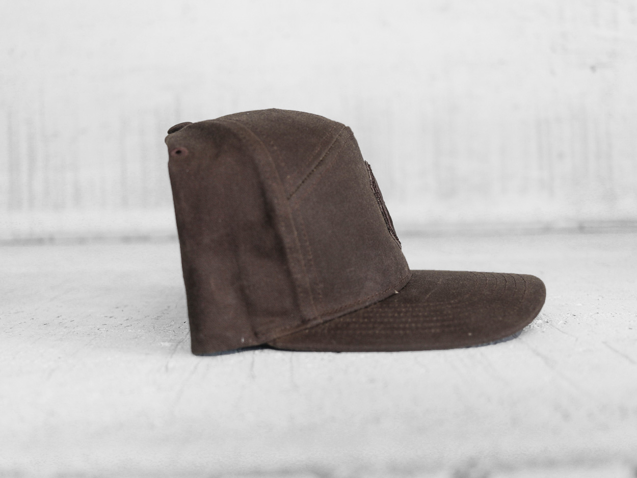 Uphill Designs - trucker hat - light grey - daydream design
