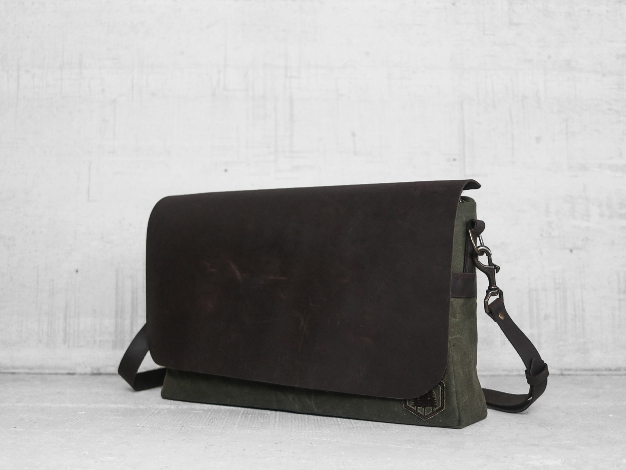 Uphill Designs - Appalachian waxed canvas messenger bag - olive green - side