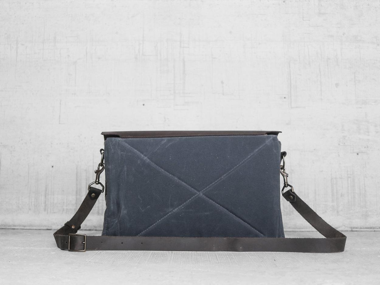 Uphill Designs - Appalachian select messenger bag - charcoal - back