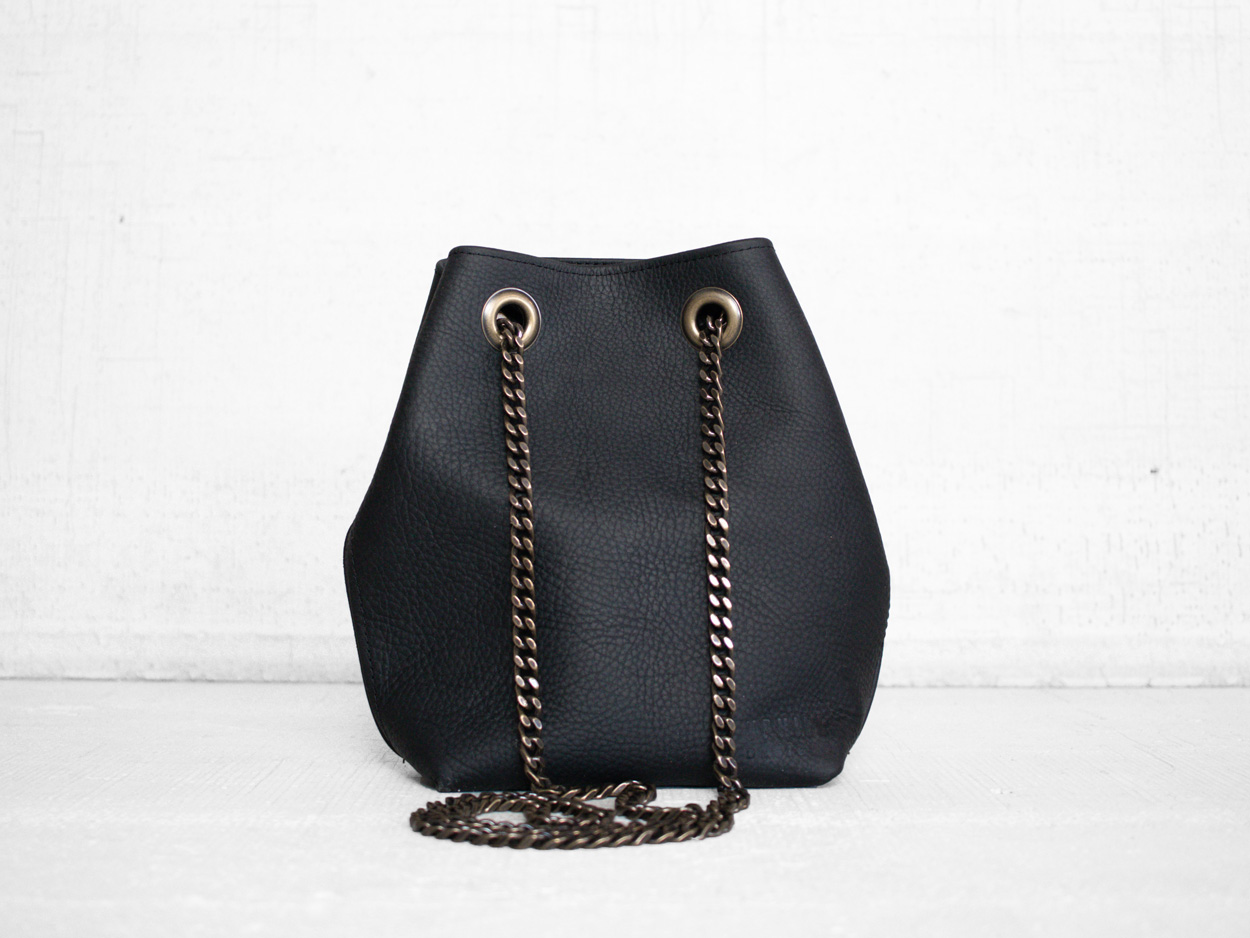 Uphill Designs - Covey leather bucket bag - sable kodiak - back