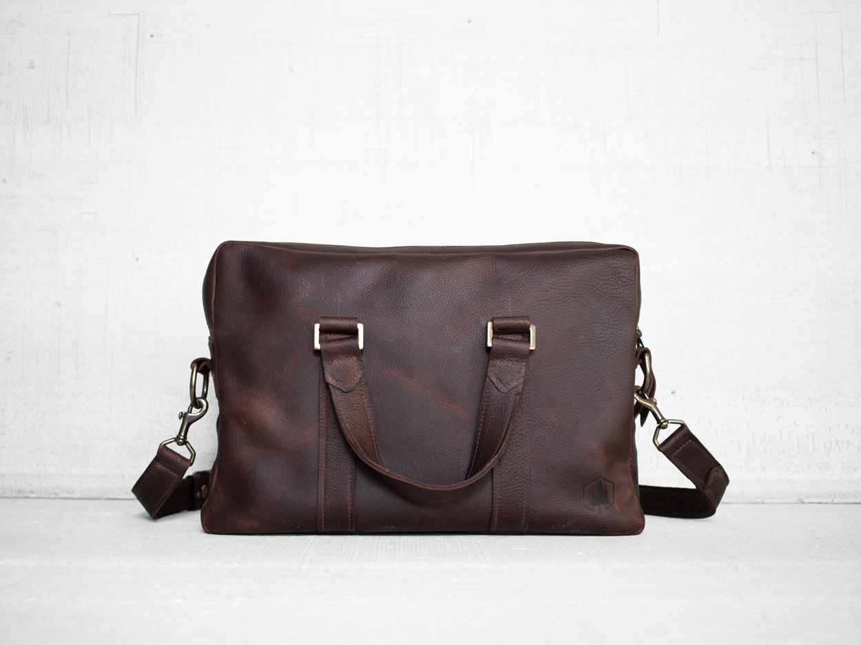 Uphill Designs - Appalachian leather messenger bag - bordeaux - front