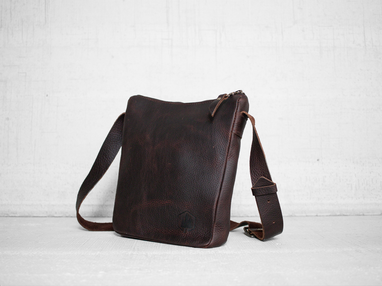 Uphill Designs - Logan leather satchel - bordeaux - side