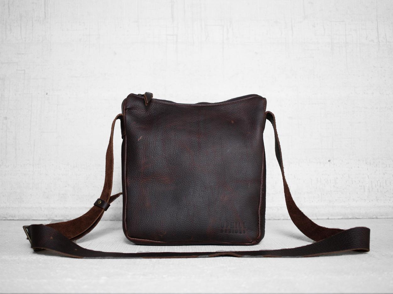Uphill Designs - Logan leather satchel - bordeaux - back