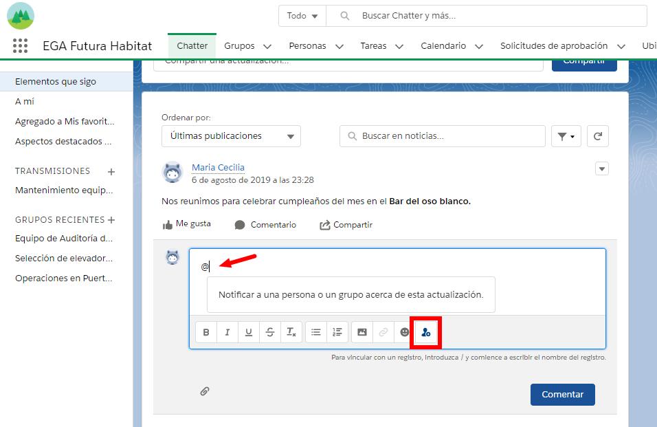 Presionar el boton para mencionar a un usuario o a un grupo en un comentario o publicación de Chatter