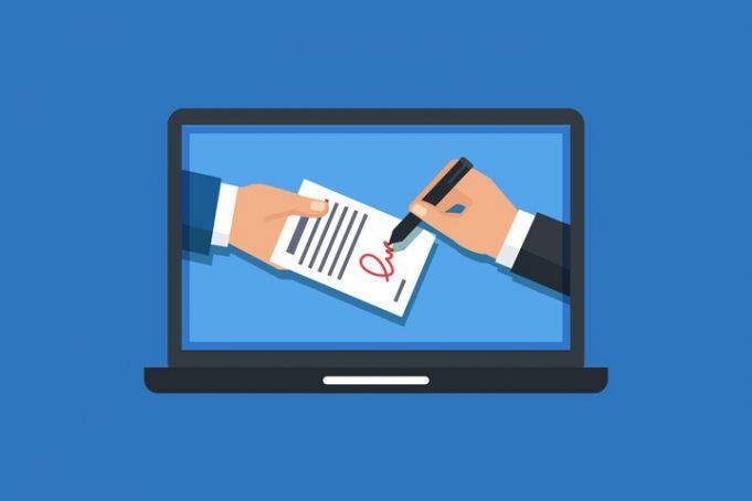 Es aquella firma equivalente a la manuscrita, pero en formato electrónico. Se recoge mediante un escáner, el cual permite obtener una imagen muy exacta de la firma hecha a mano. Una vez escaneada es incorporada a cualquier documento o mensaje electrónico como señal de que procede de la persona firmante.