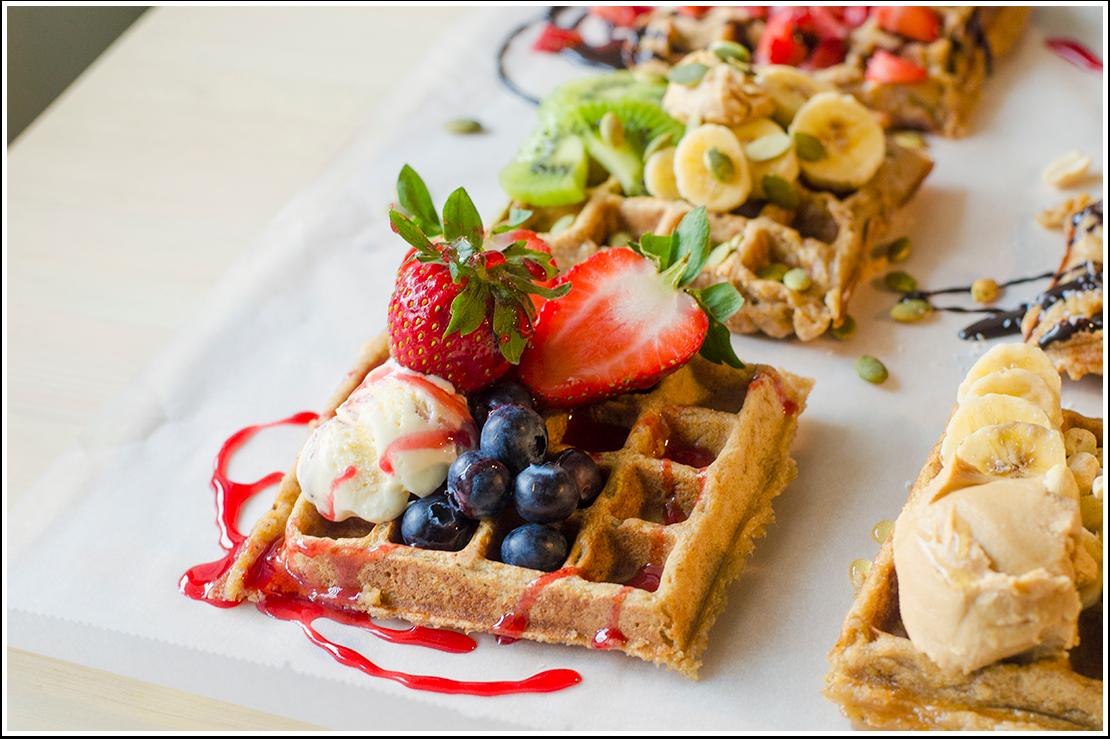 Es la herramienta de la Plataforma EGA Futura, que permite acceder de forma rápida a todo el conjunto de aplicaciones disponibles. Las aplicaciones se muestran como un menú desplegable o como pequeñas tarjetas ordenadas y a través de las cuales se puede iniciar cada aplicación o cambiar a otra con rapidez. Esta utilidad brinda a los usuarios una experiencia de trabajo integrado con los demás departamentos de la empresa. Se le llama Waffle por su forma en rejilla similar a la que tienen los gofres europeos o waffles americanos.