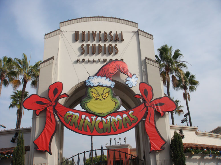 entrance to universal studios grinchmas