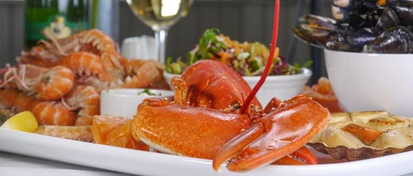 A la carte seafood platters at The Pierhouse
