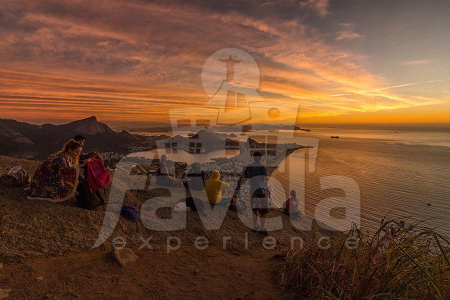 dois irmaos hike sunrise favela experience 05