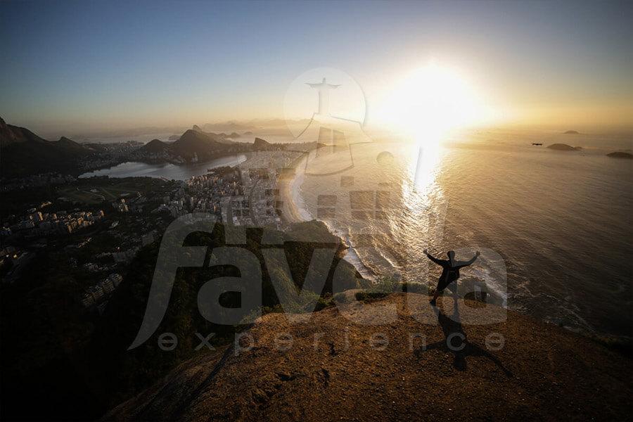 dois irmaos hike sunrise favela experience 06