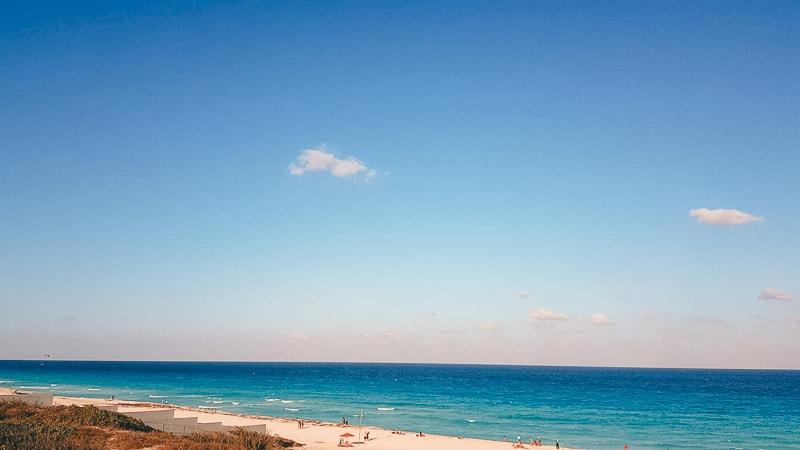 blue waters in cancun
