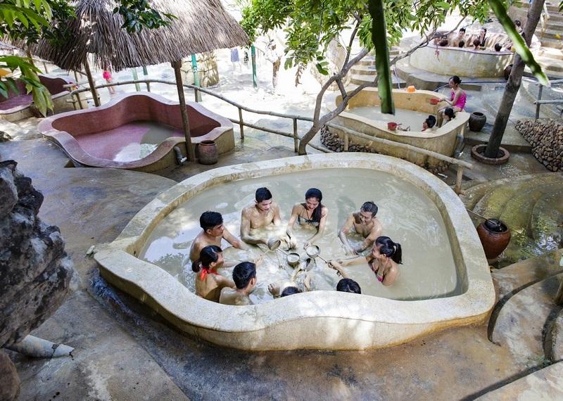 Tháp Bà mud baths, Nha Trang