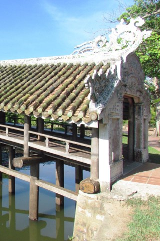 Japanese bridge, Hue