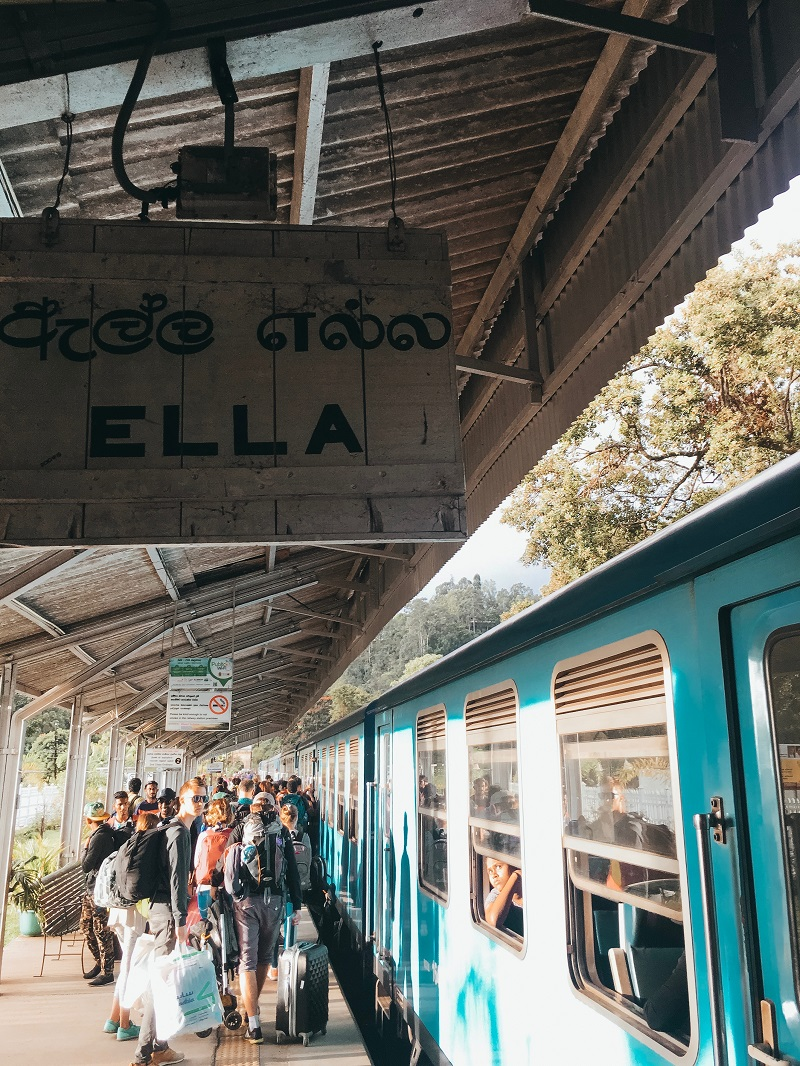ella train ride from kandy
