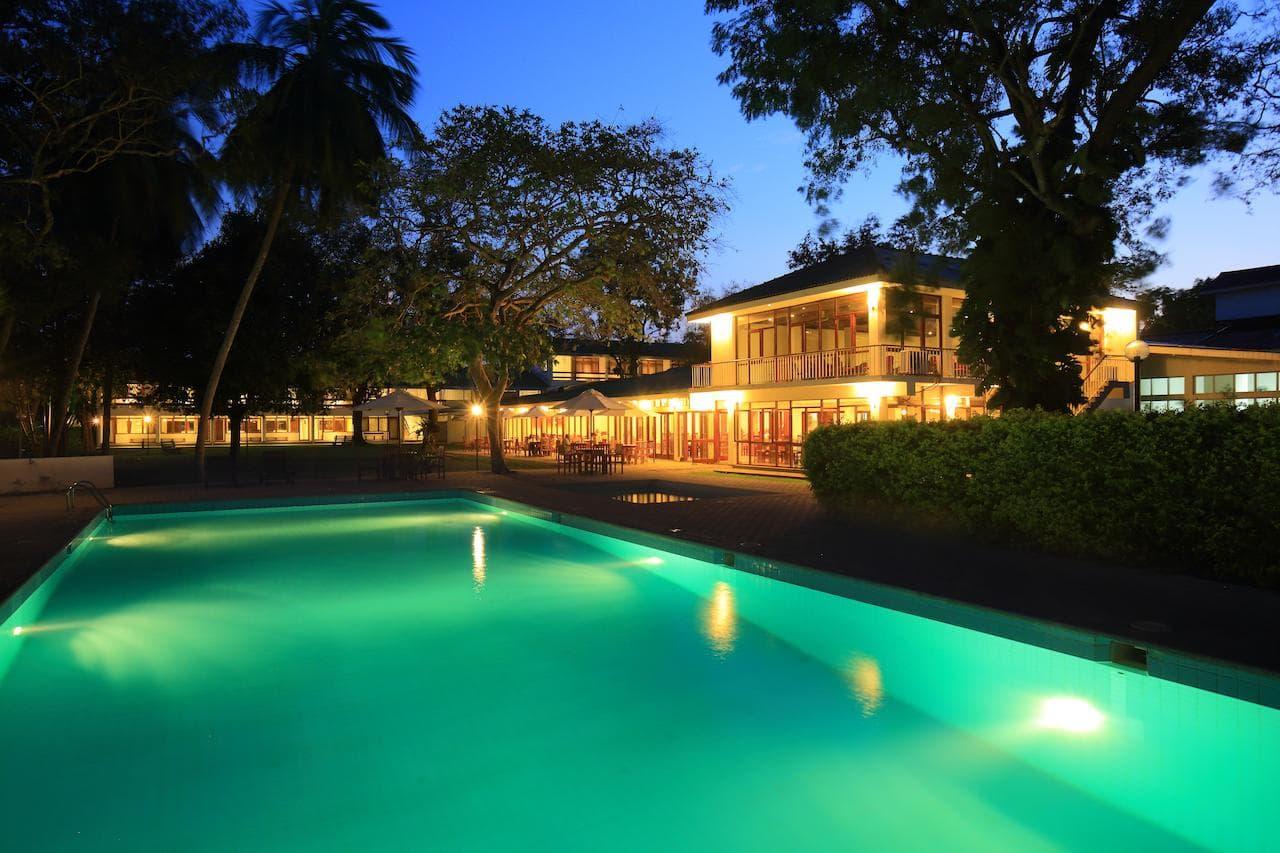 the lakeside in Anuradhapura