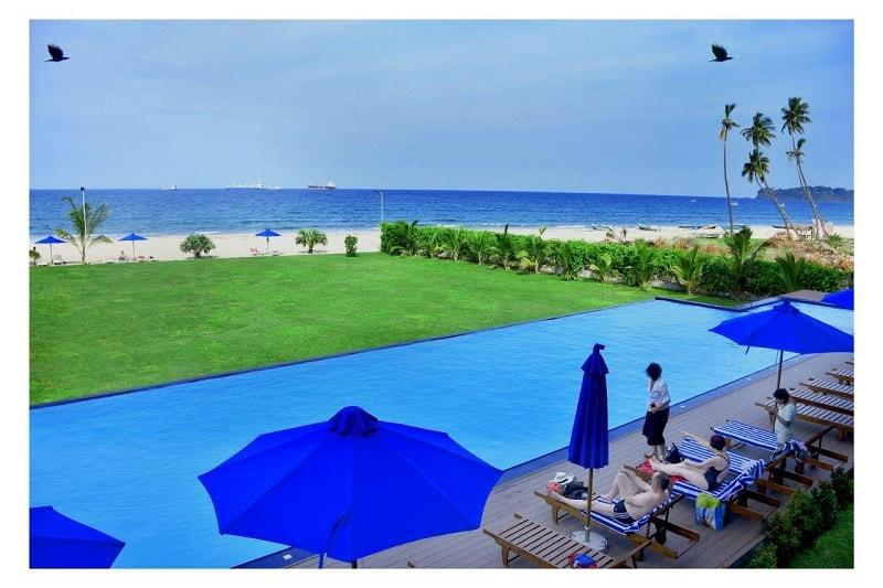 pool at Skandig Beach Resort