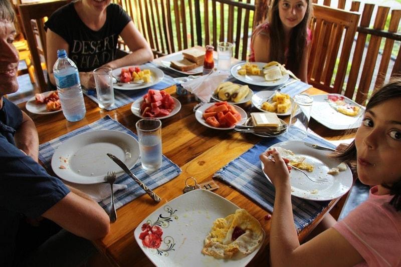 breakfast at Sasvi Cabana