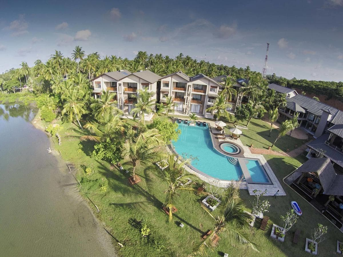amarathe bay resort and spa