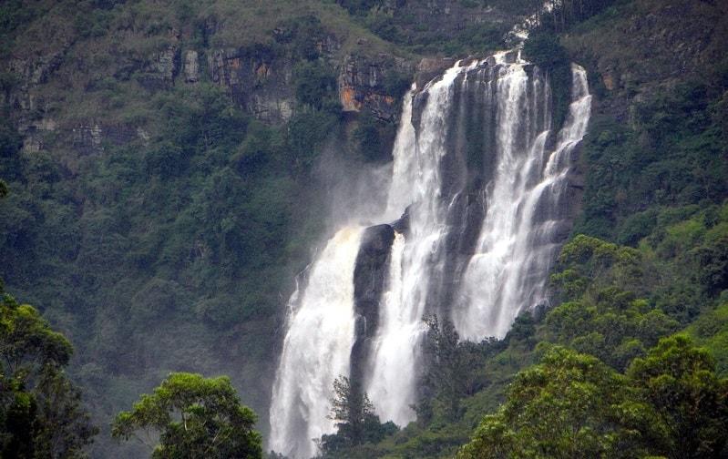 Bomburu Ella Falls in Nuwara Eliya
