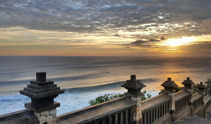 uluwatu temple sunset