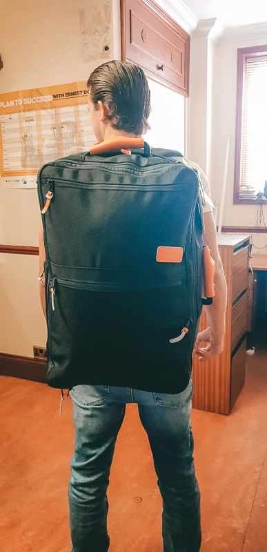 wear it like a backpack for carryon