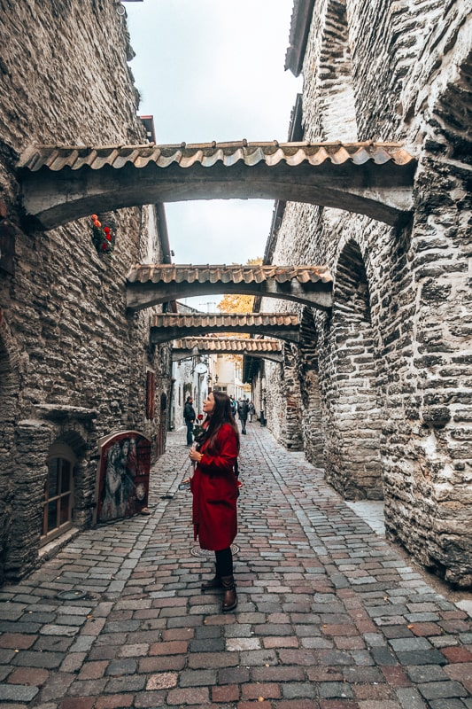 wander old streets of tallin
