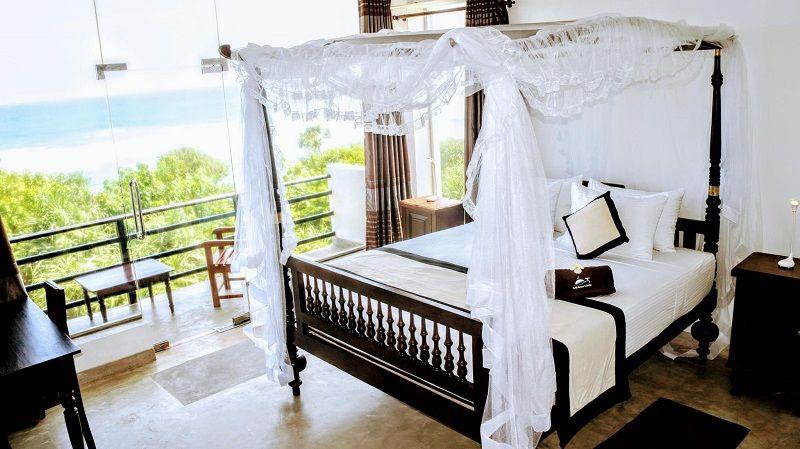 Mirissa Gate hotel bedroom
