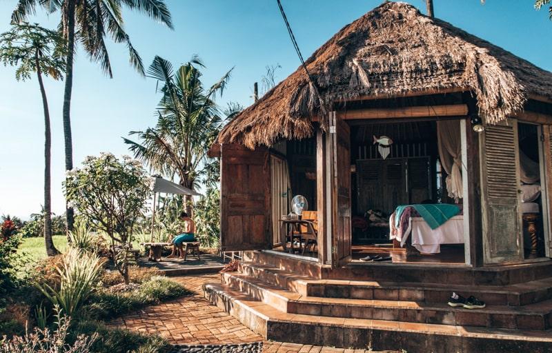 airbnb near sekumpul