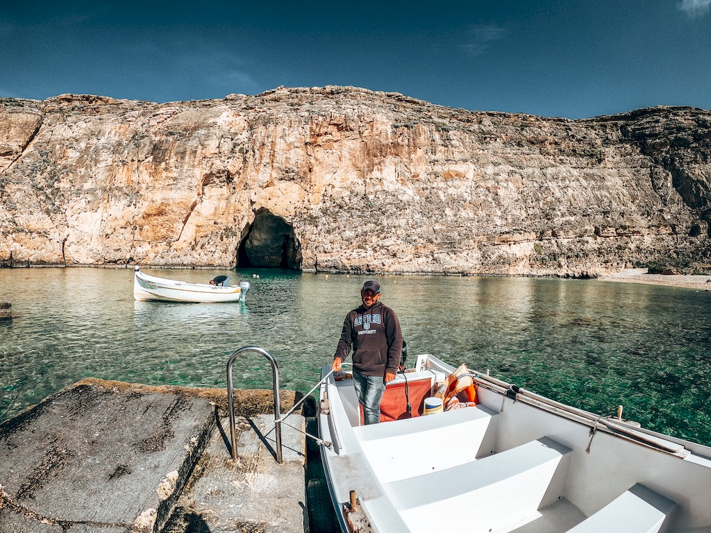 boat at azure window