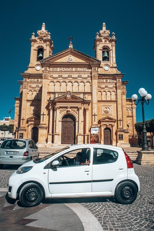 getting around malta by car