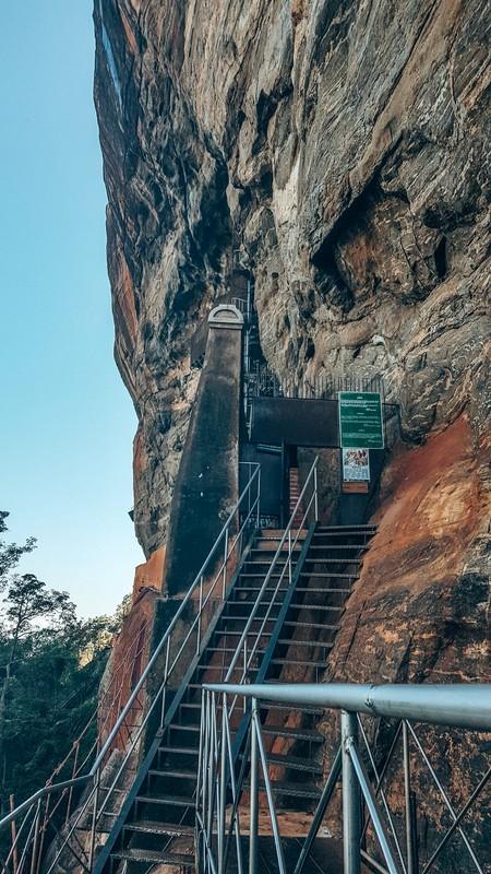 sigiriya rock hike