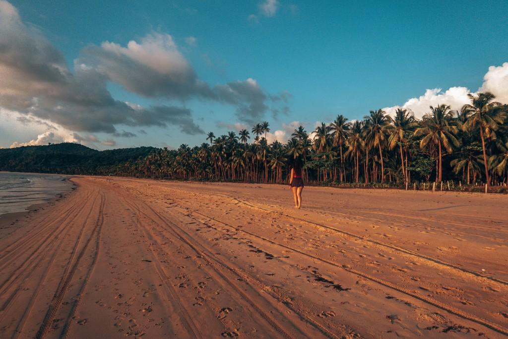 relax at nacpan beach in el nido