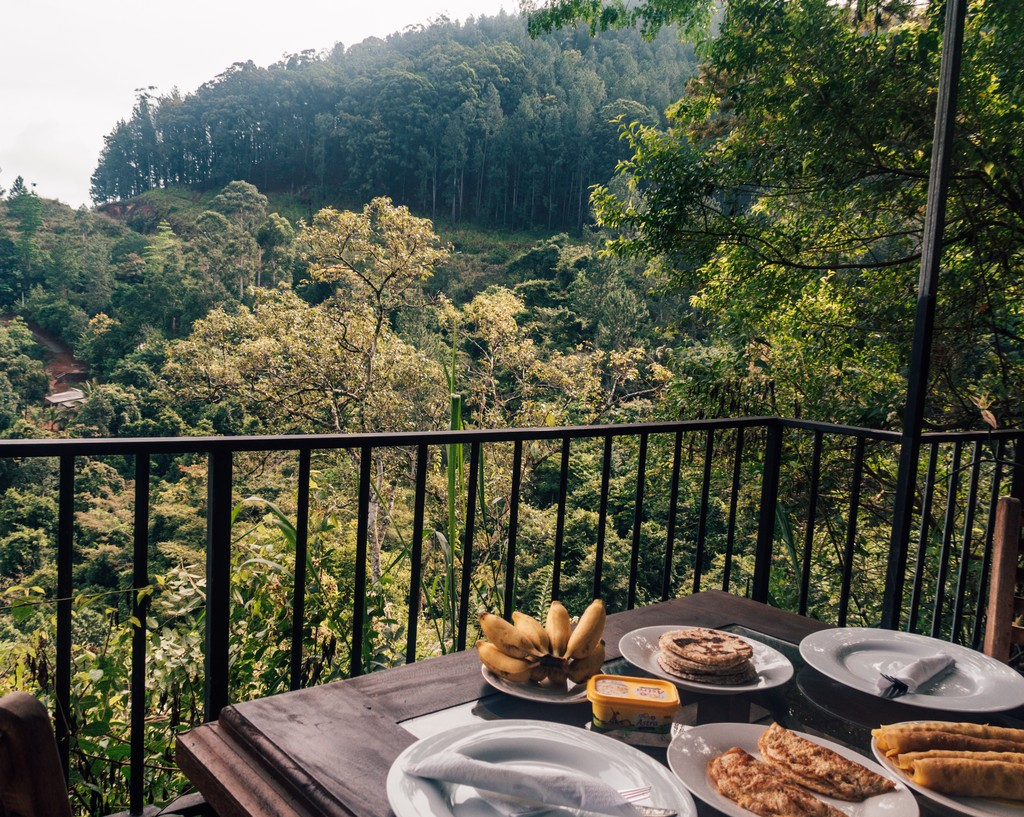 where to stay in ella