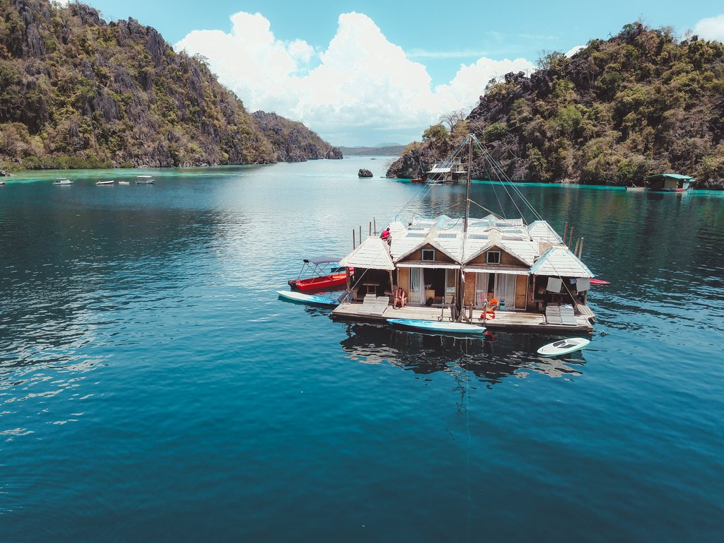 staying at paolyn houseboat