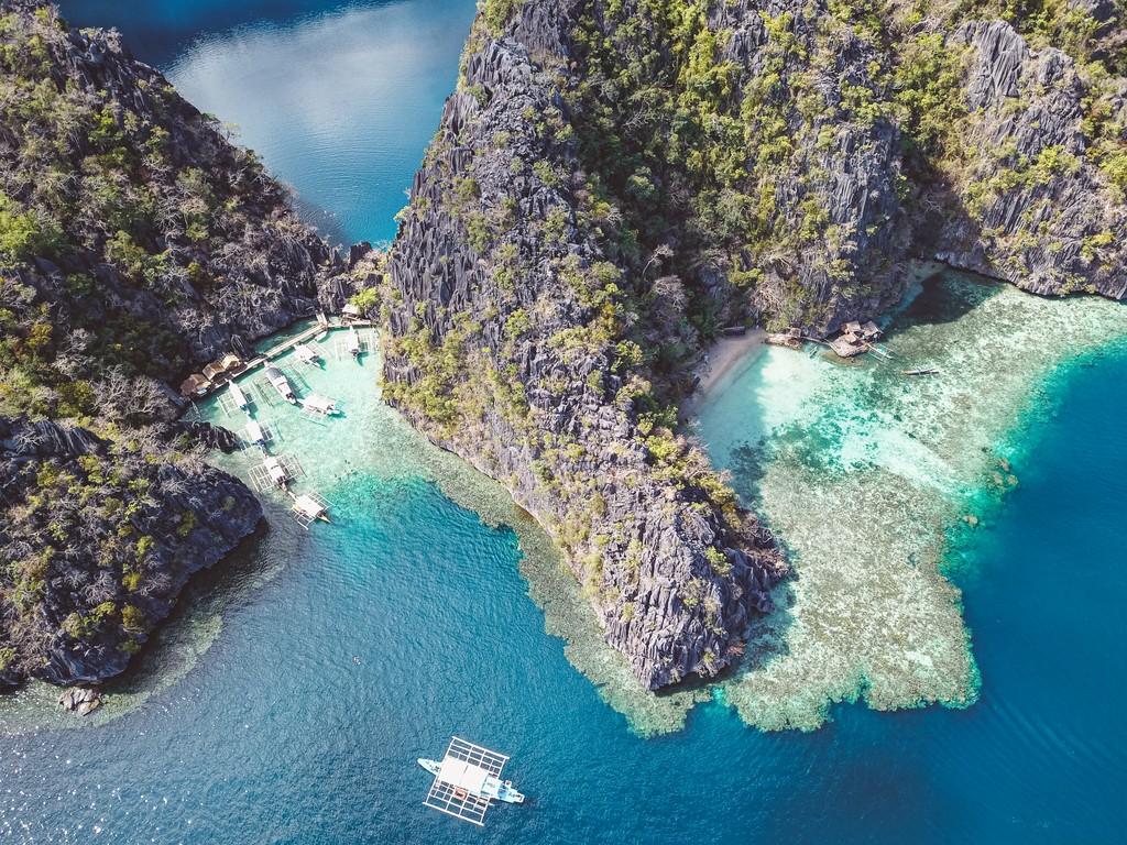 views around coron island