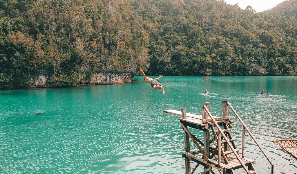 dive board at sugba lagoon