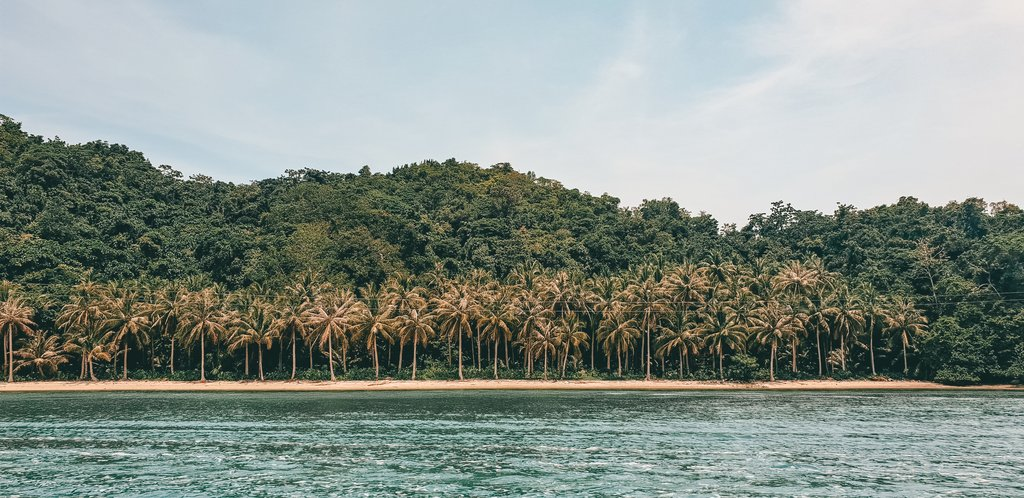 views from boat to sugba lagoon
