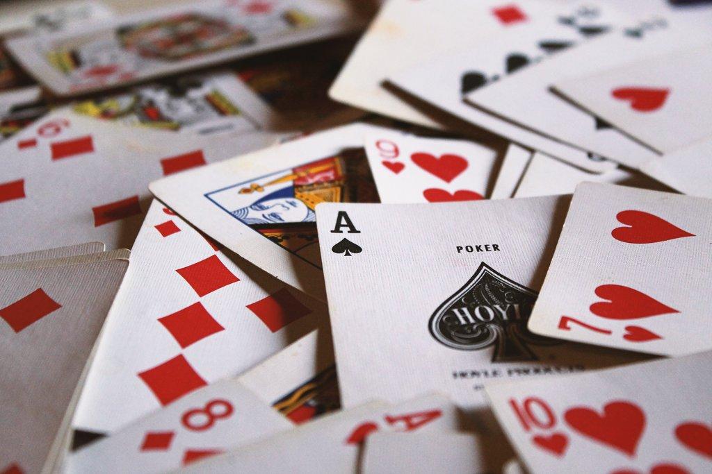 play cards on long haul flight