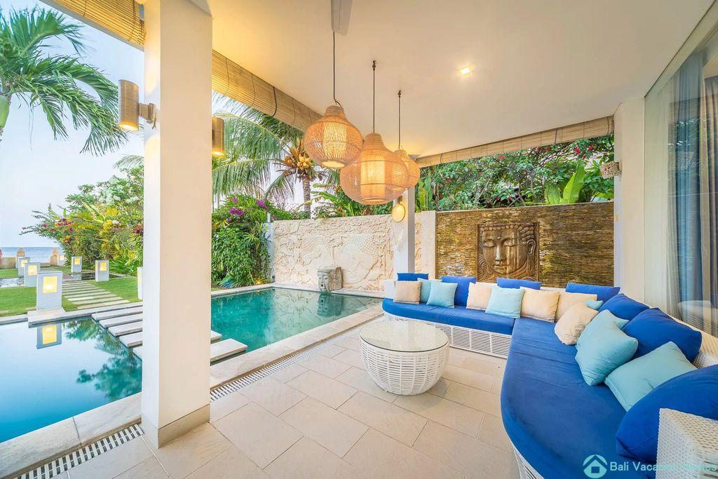 Ocean Beachfront Luxury Design Villa @ Lovina