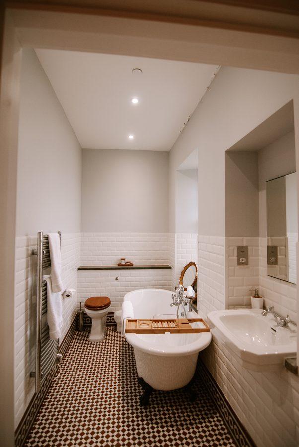 bathrooms in eilean sionnach