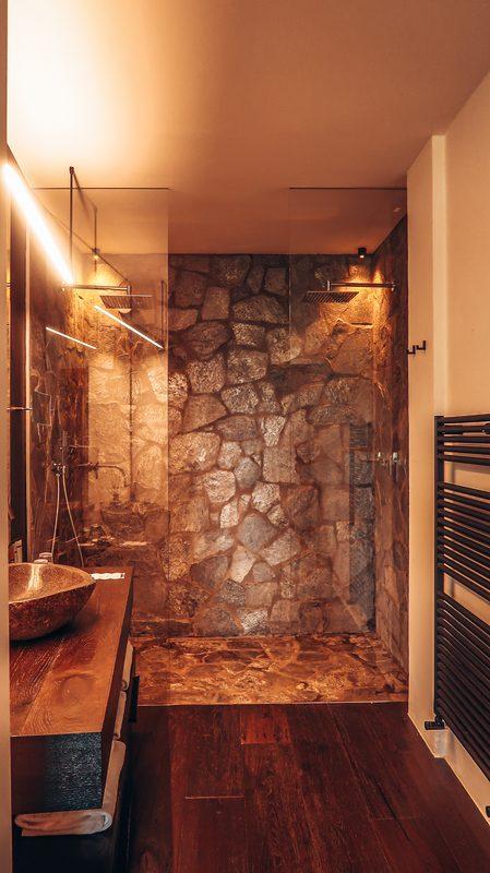 double shower at romantik hotel turm