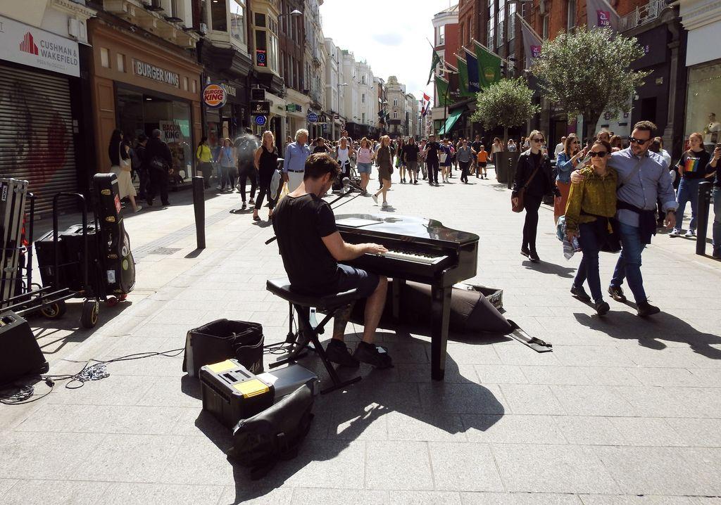 Buskers, Grafton Street, Dublin, Ireland