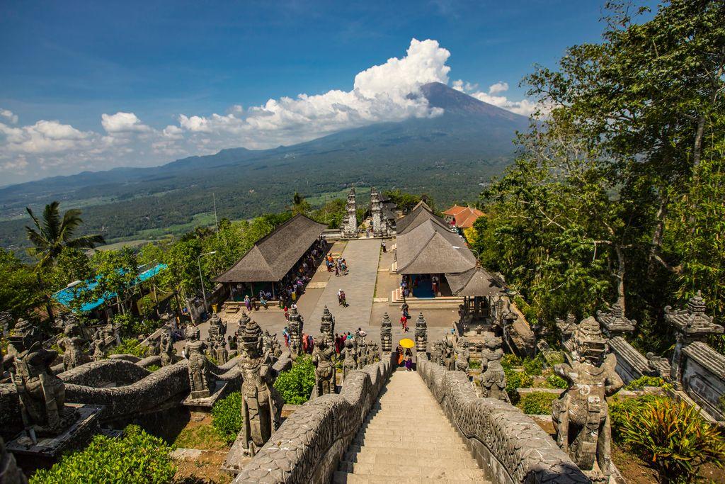 Queue to Gates of Heaven Bali