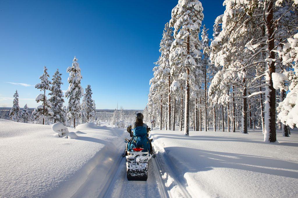 snowmobileLapland