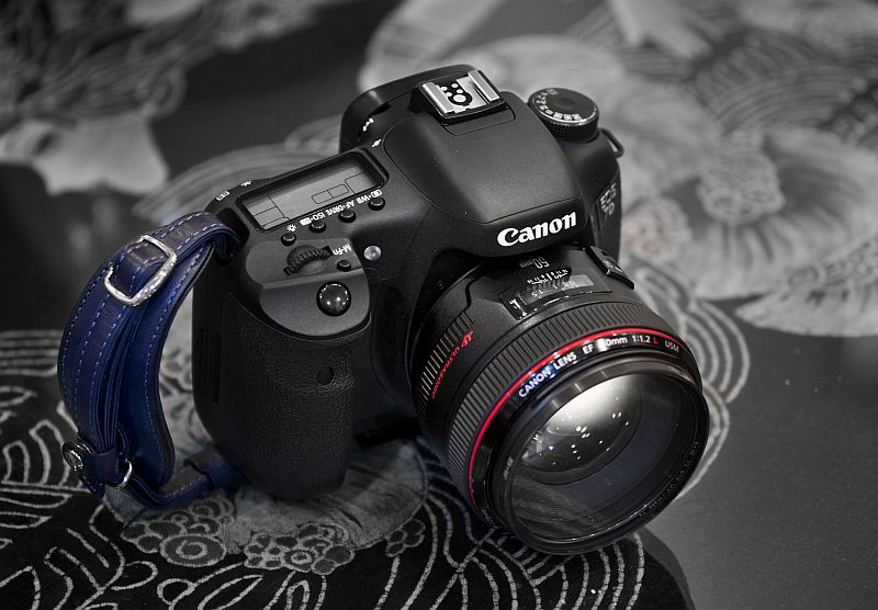 Canon EF 50mm f/1.2 L USM lens