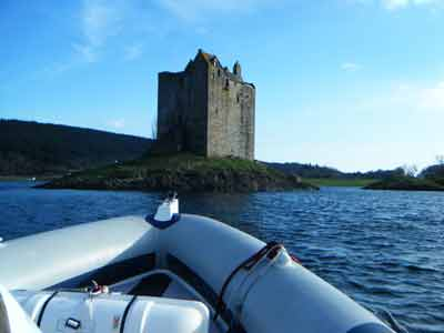 Appin Boat Tours offers a magical trip leaving from the pier in front of the hotel