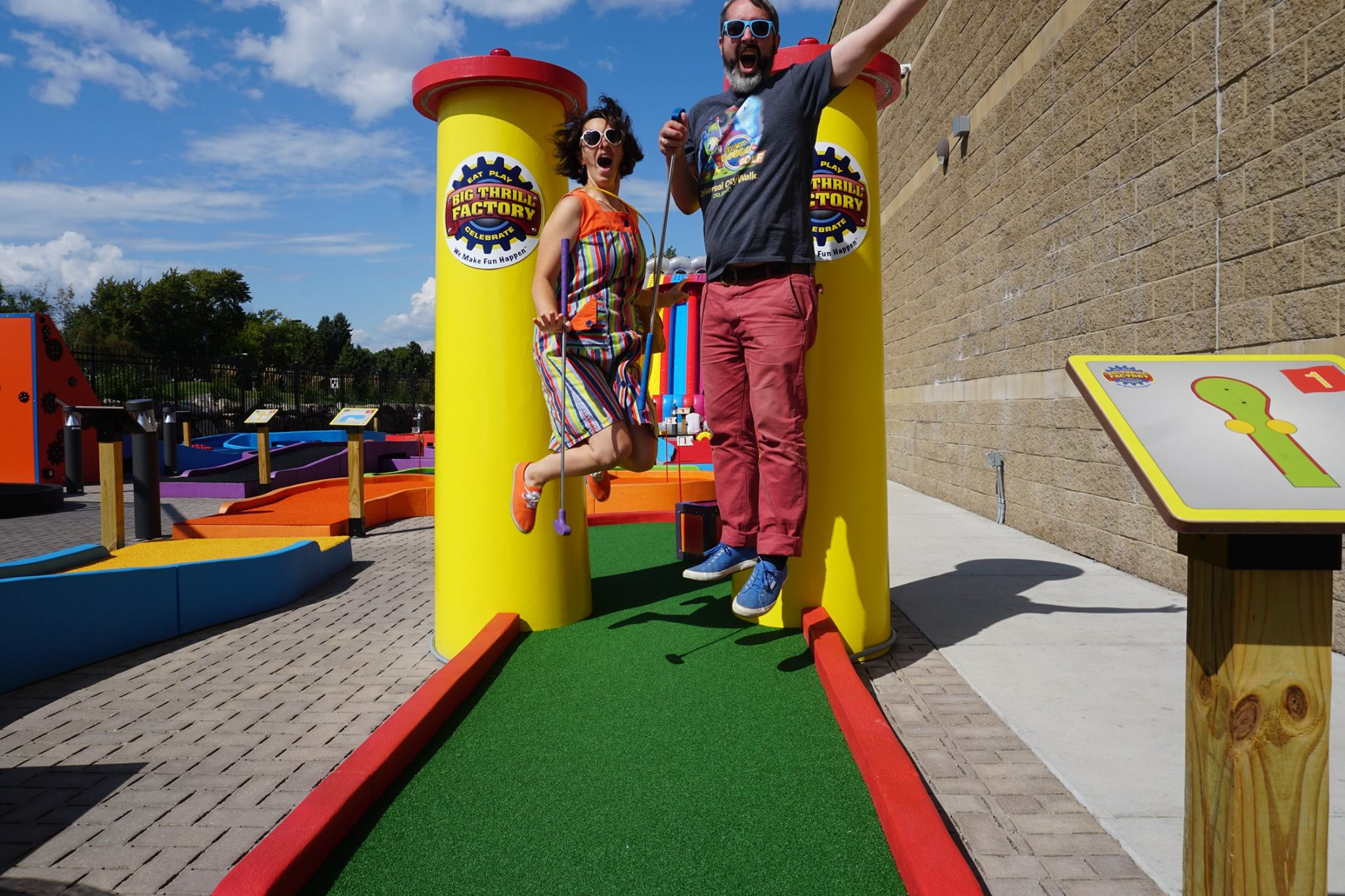 """""""A Couple of Putts"""" Mr. Tee (Tom Loftus) & The Pink Putter (Robin Schwartzman) play, review & document their visit to Big Thrill Factory's signature mini golf course"""