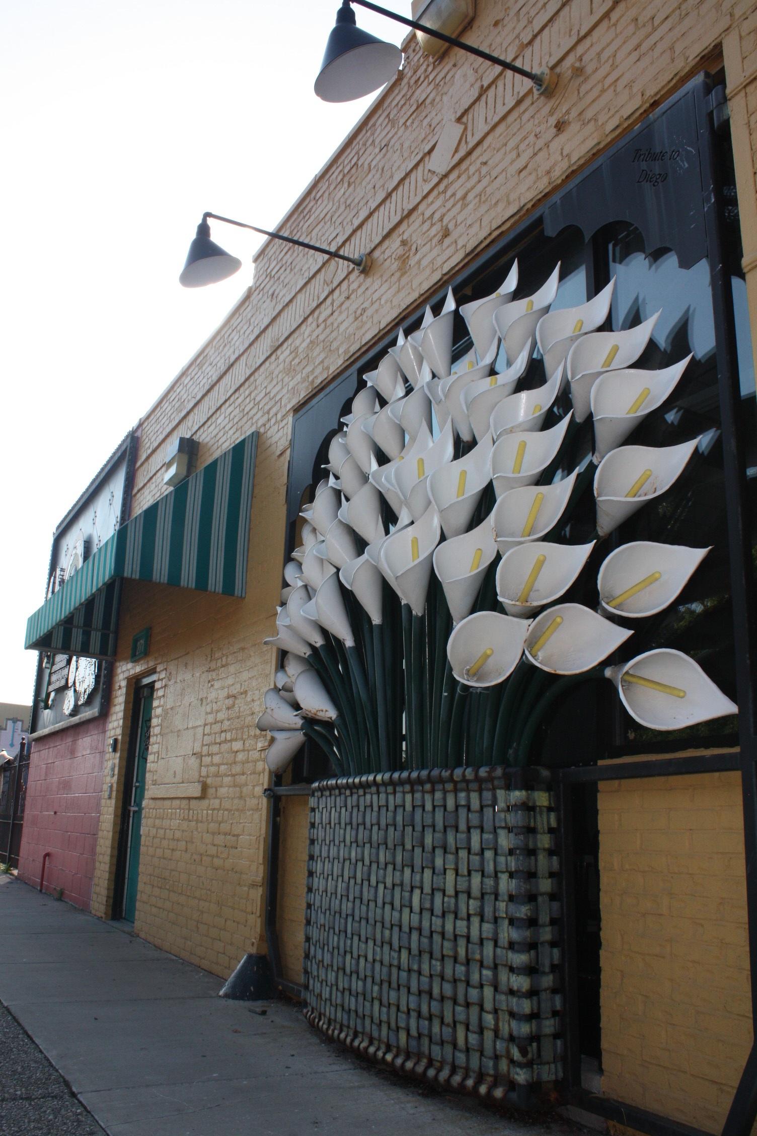 Diseños Ornamental Iron Detroit Custom Made steel flowers Southwest Detroit